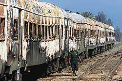 Trem incendiado